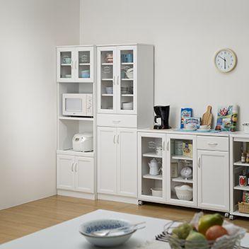 清潔感のあるホワイト色キッチン収納