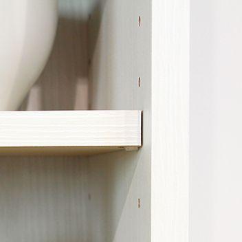 棚板は3cmピッチで高さを調整できます。