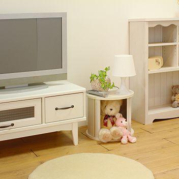 テレビ横の飾り棚・収納にじゃばらが便利!