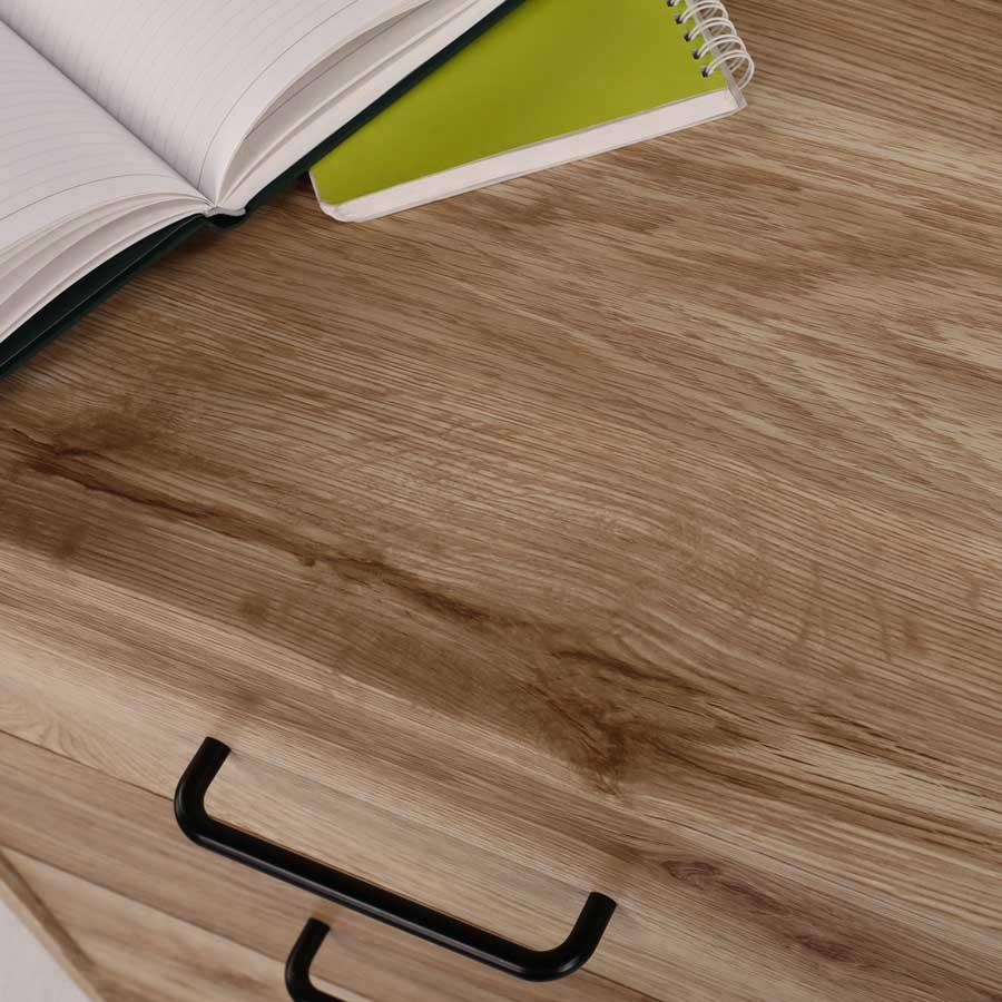 木質感のあるナチュラル色