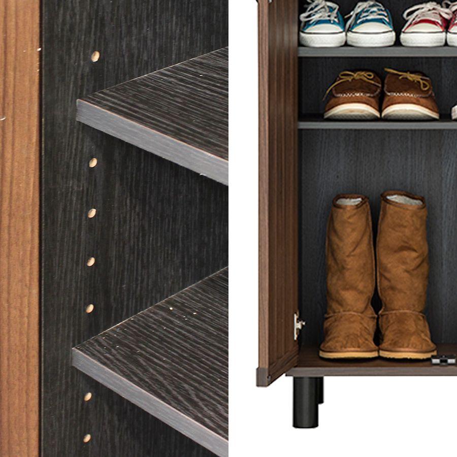 移動棚を外して、ブーツも収納できます
