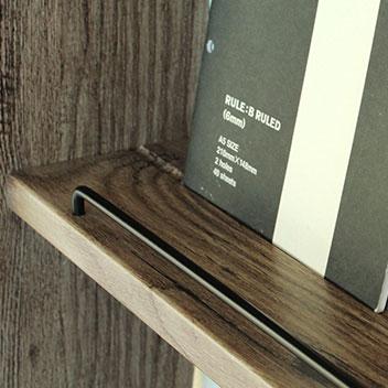 飾りやすい溝付き棚